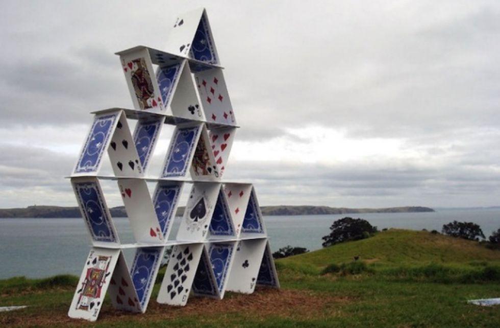 пляж карточный домик как построить фото авторы